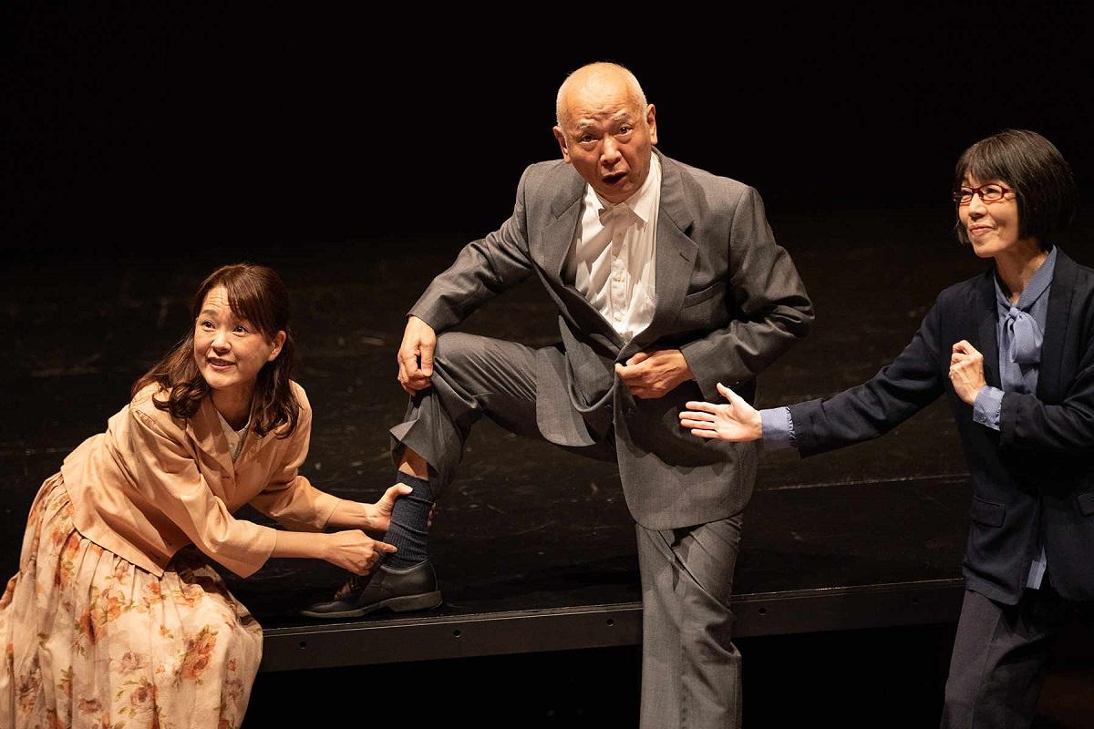 写真・図版 : 舞台『憲法くん』=姫田蘭さん撮影