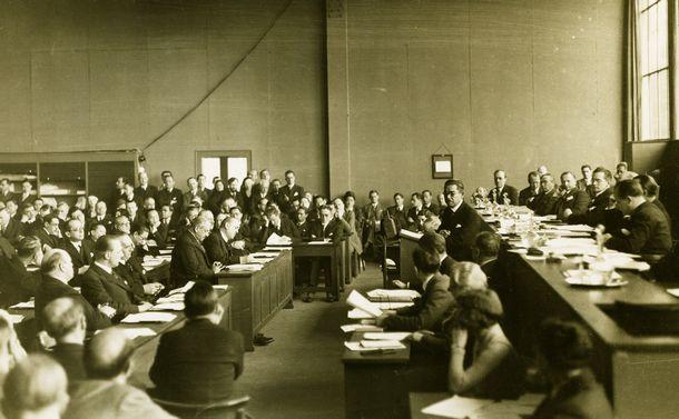 発足100周年の国際連盟から我々は何を学ぶか