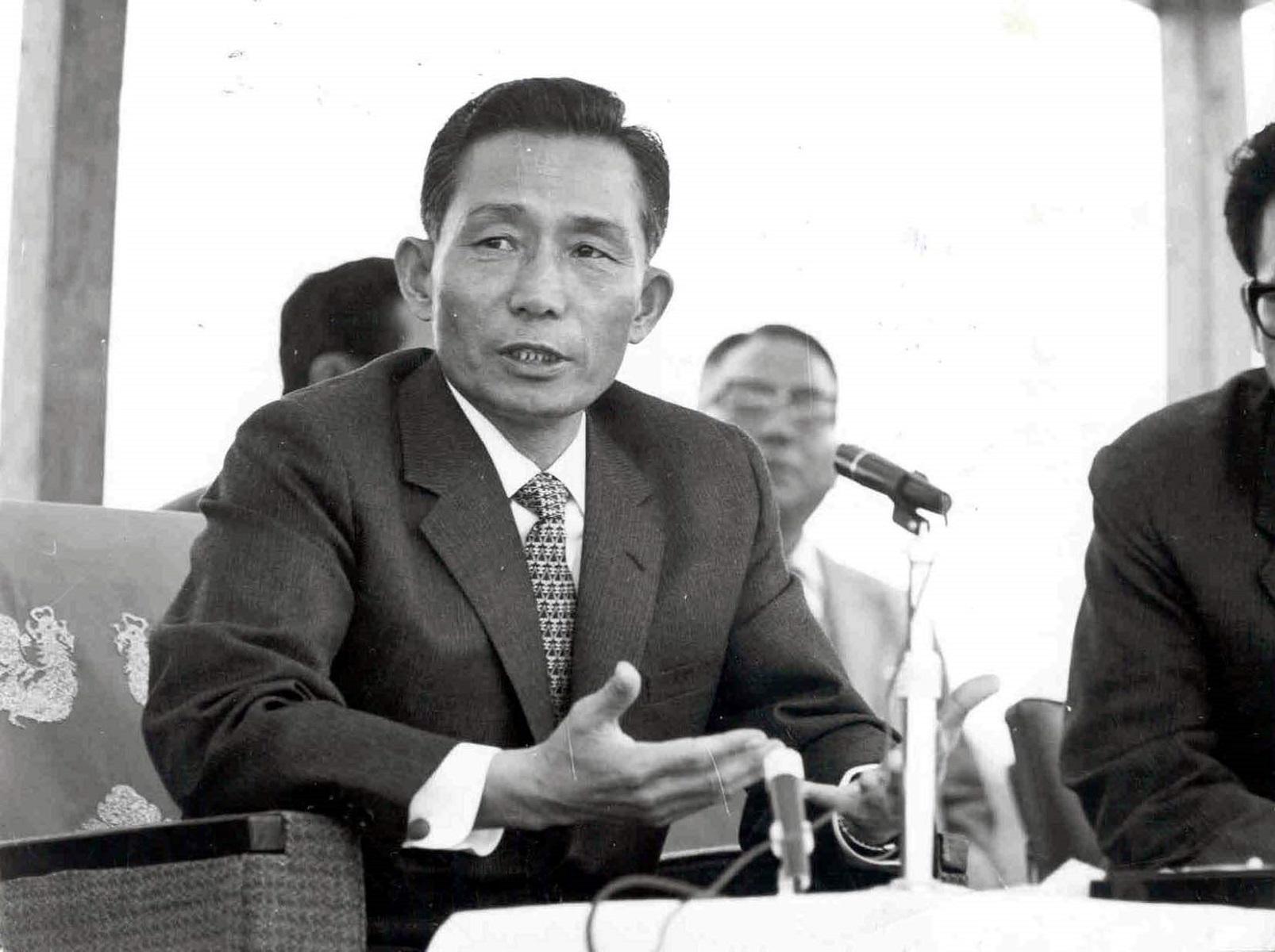 写真・図版 : 独裁政権を築いた1970年代の朴正熙大統領=ソウル、東亜日報提供