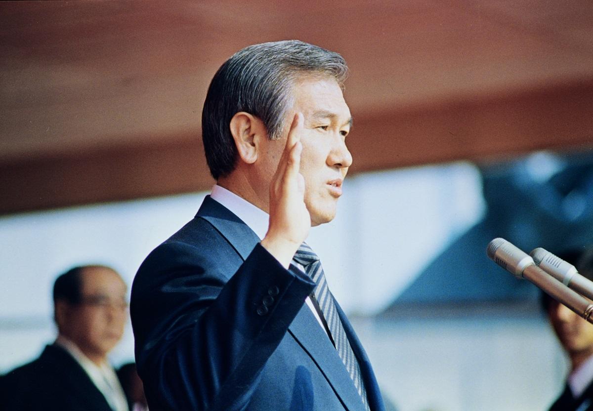 写真・図版 : 1987年に「民主化宣言」を発表した韓国の盧泰愚大統領