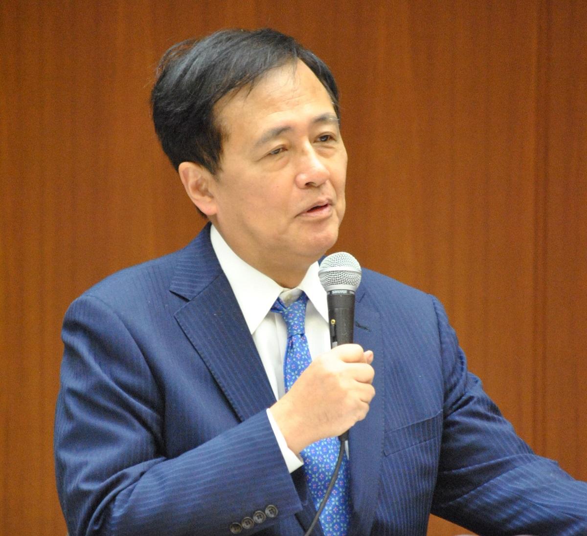 写真・図版 : 世田谷区長の保坂展人氏(64)