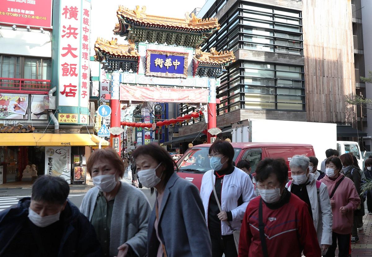 写真・図版 : 横浜の中華街。国内から中国人を排除すべきだという主張もネットには飛び交った=2020年2月19日
