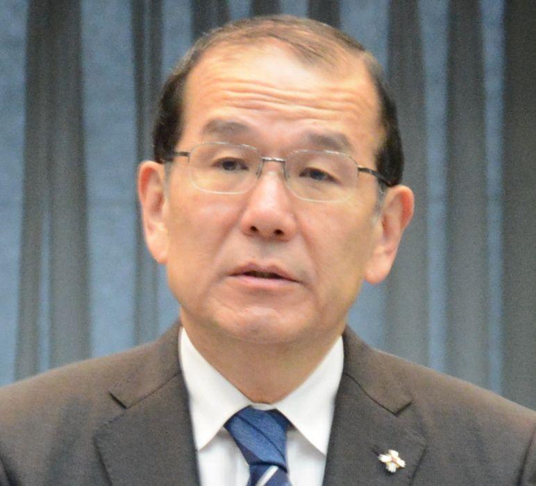 写真・図版 : 稲田伸夫・検事総長=2020年2月19日、東京・霞が関の法務省