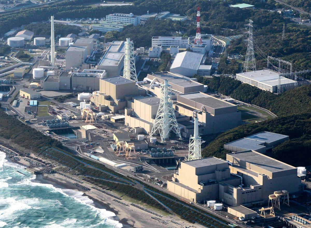 写真・図版 : 中部電力浜岡原発=2011年4月28日、静岡県御前崎市