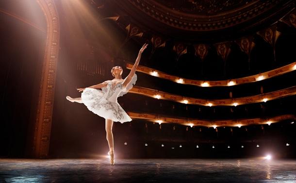 新型コロナ拡大でついに「無観客バレエ」上演