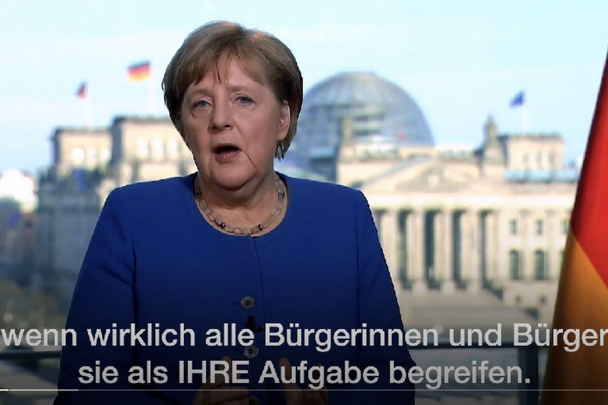 写真・図版 : コロナ問題でのテレビ演説で「全国民の任務」について話すドイツのメルケル首相=ドイツ政府HPより