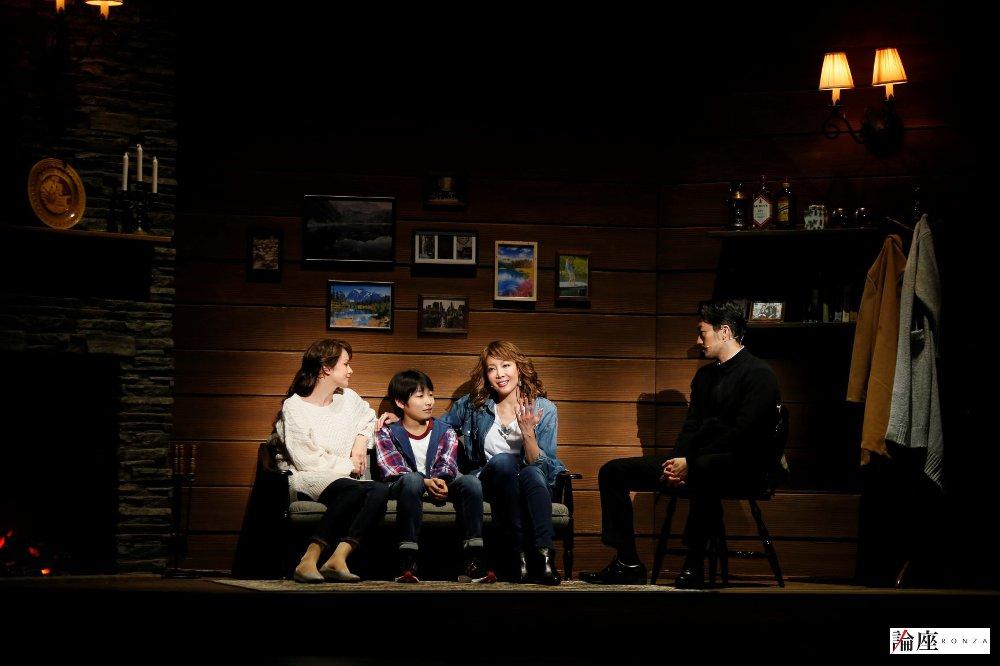 写真・図版 : ミュージカル『ボディガード』公演から〈レイチェル=柚希礼音〉=岸隆子(Studio Elenish)撮影
