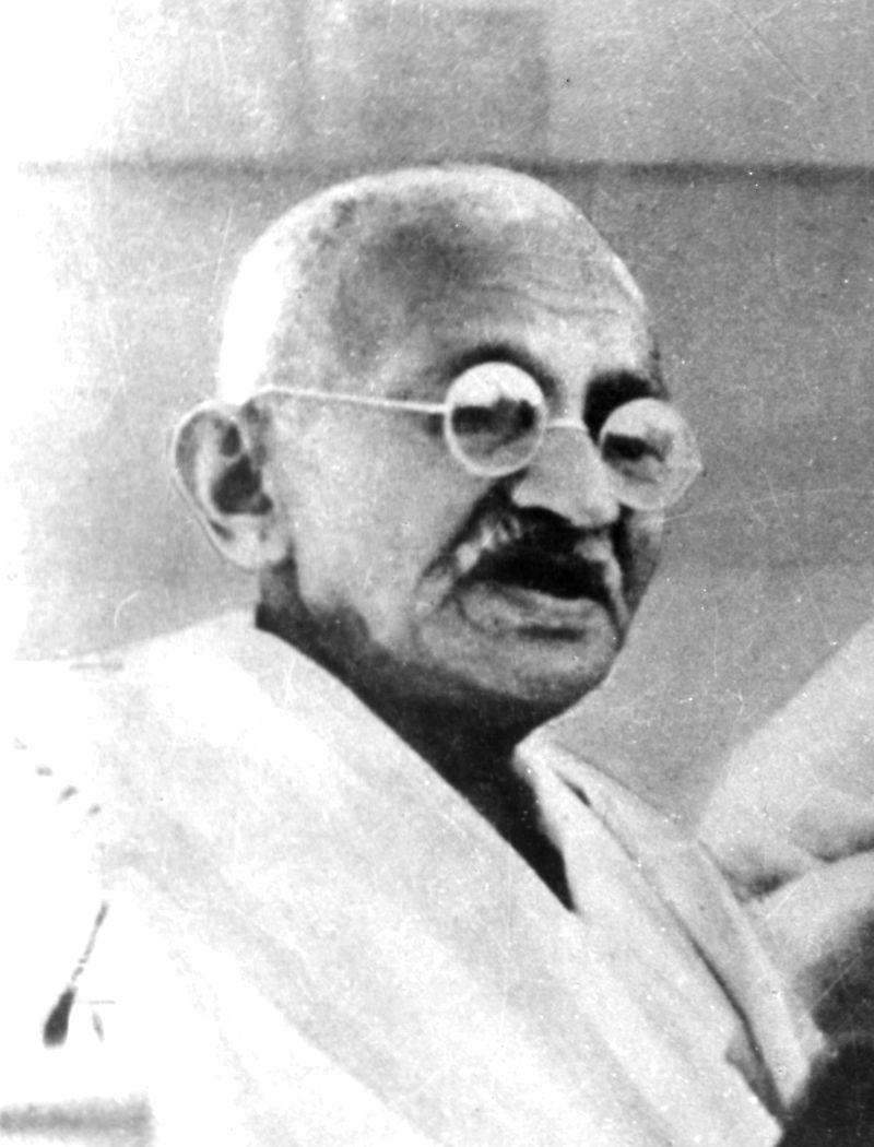 写真・図版 : インド独立運動の指導者として知られるマハトマ・ガンディー