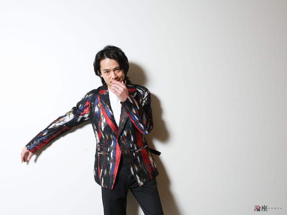 写真・図版 : 中川晃教=宮川舞子 撮影