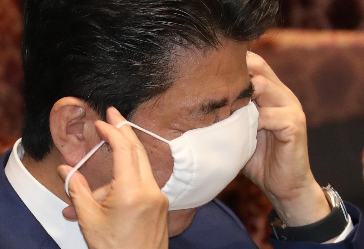 マスク2枚配布の「アベノマスク」は大きな反発を招いたが……