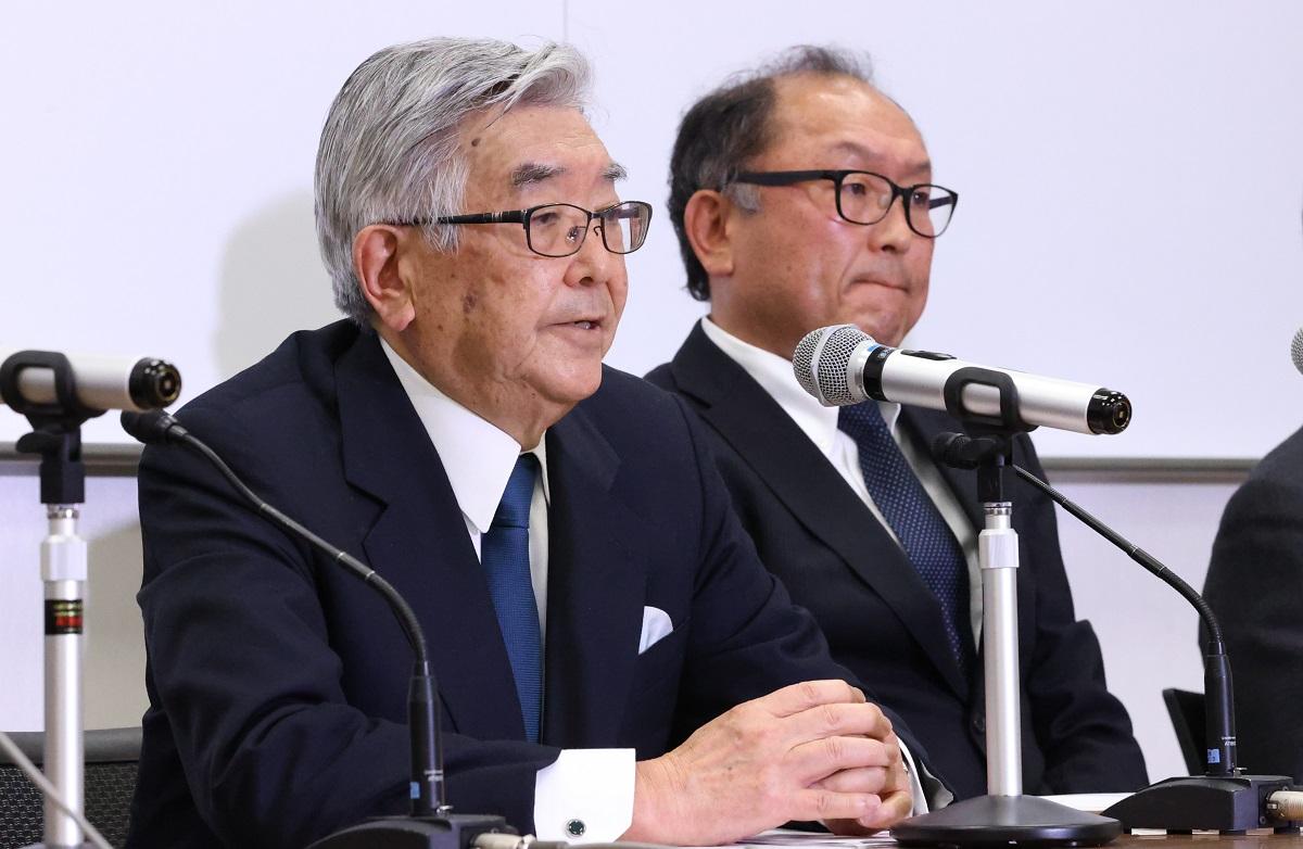 斉藤惇・NPBコミッショナー(左)はプロ野球の開幕で難しい決断を迫られる
