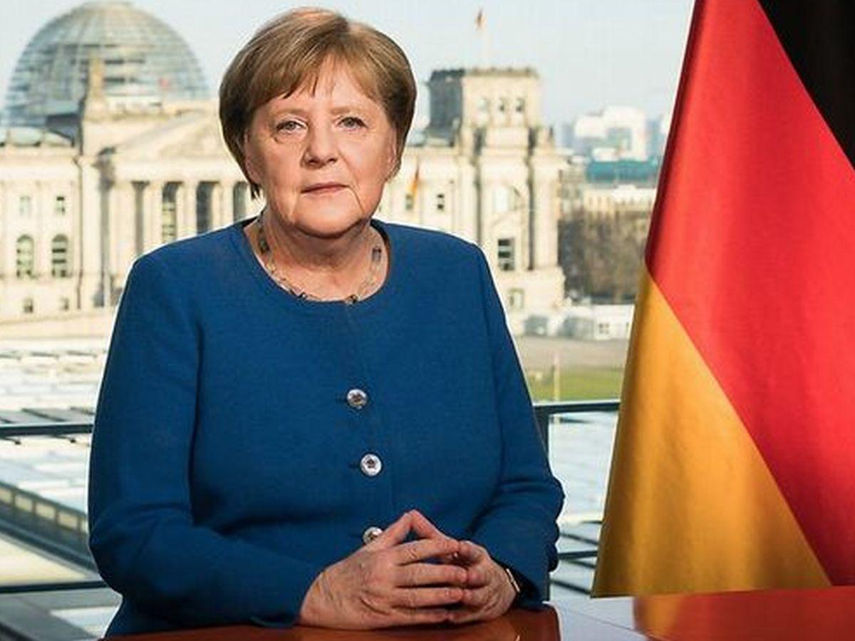 写真・図版 : 3月18日、コロナ問題で国民に向けテレビ演説するドイツのメルケル首相=ドイツ政府HPより