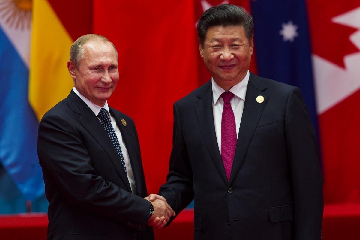 写真・図版 : G20杭州サミットに出席したプーチン大統領と習近平総書記=2016年9月4日 plavevski / Shutterstock.com