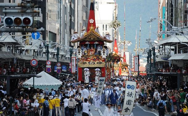 祇園祭の山鉾巡行は中止なれど、疫病退散の願いは深く