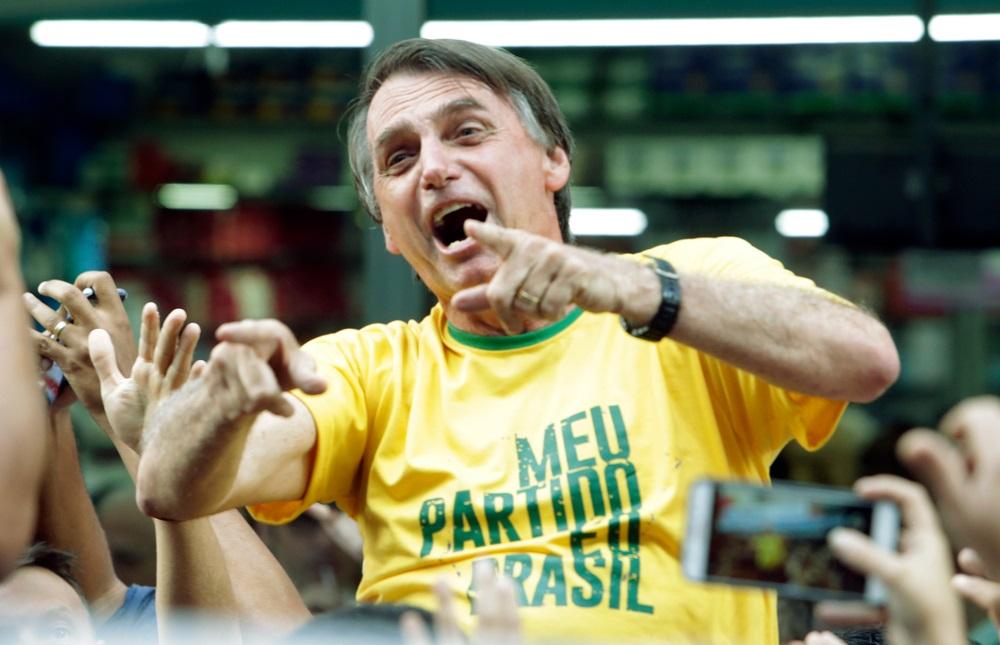 写真・図版 : ブラジルのボルソナロ大統領 Antonio Scorza / Shutterstock.com