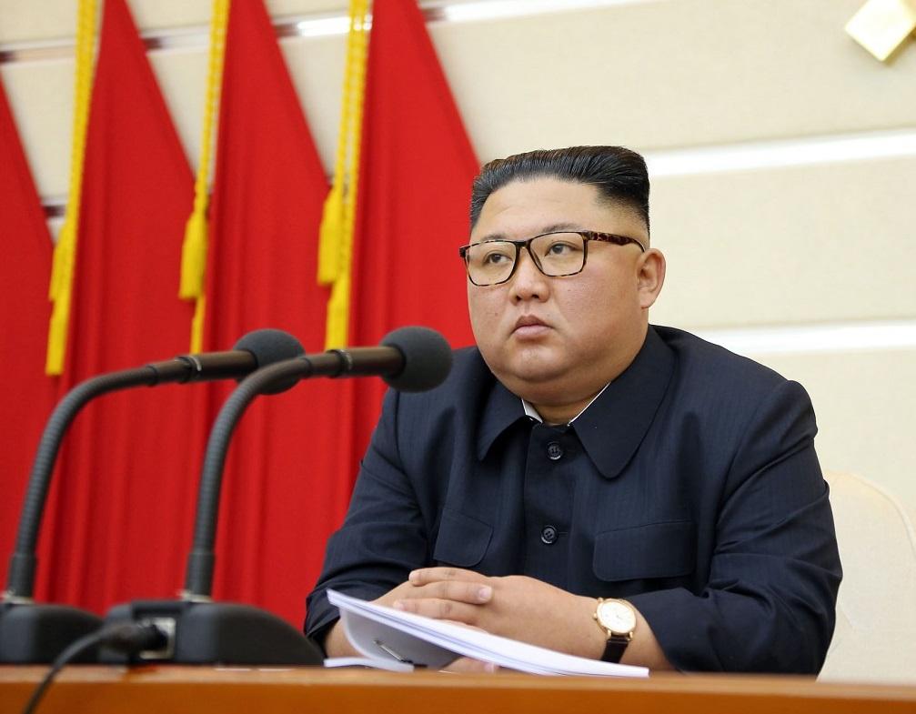 写真・図版 : 朝鮮労働党中央委員会の政治局拡大会議に出席した金正恩委員長。朝鮮中央通信が2020年2月29日報じた。撮影日時は不明=朝鮮通信