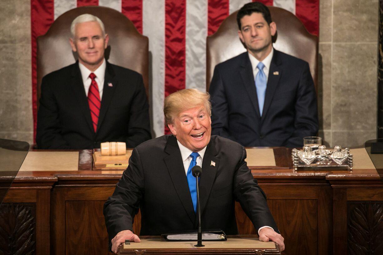 写真・図版 : 米議会で一般教書演説をするトランプ大統領=ワシントン、ランハム裕子撮影、2018年1月30日
