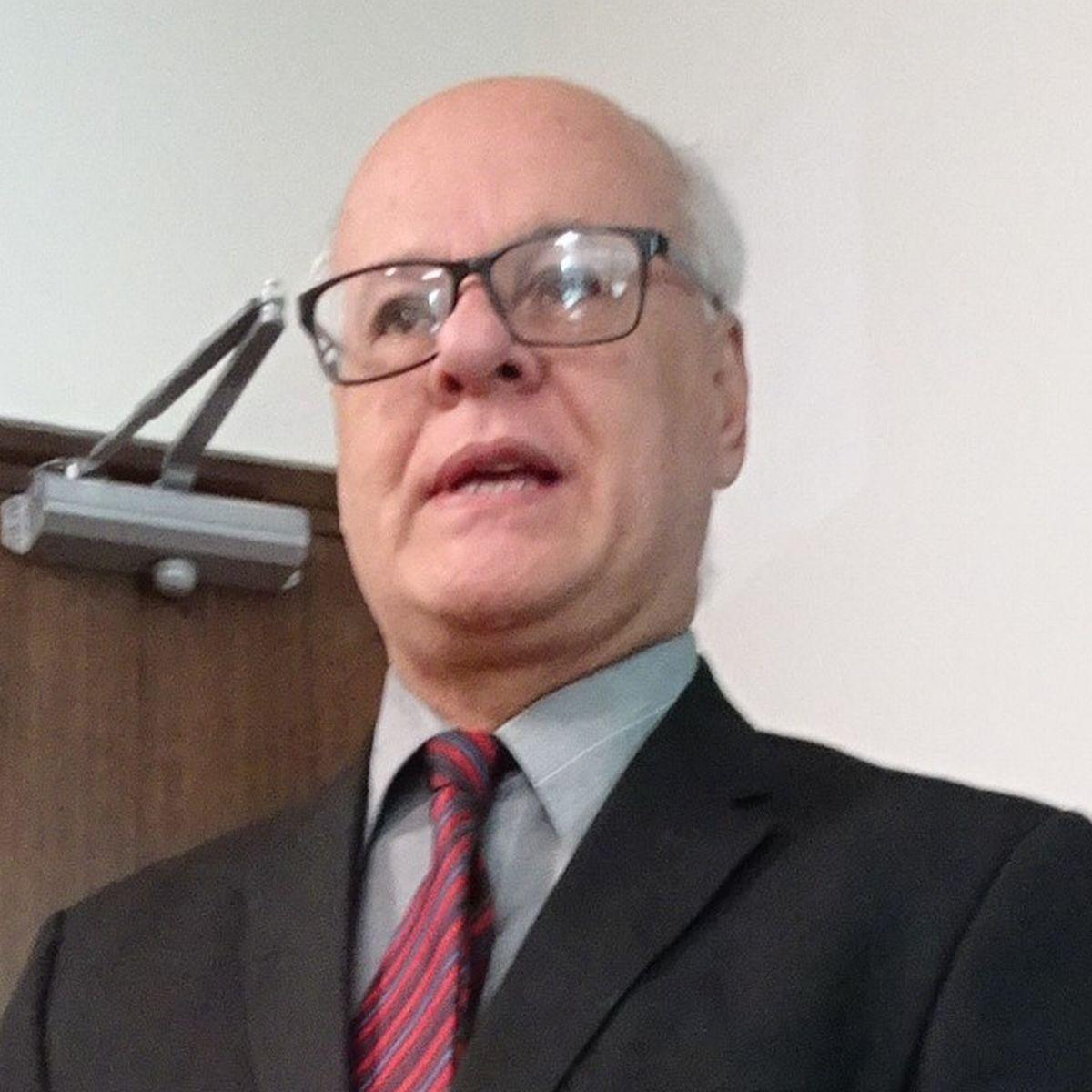 写真・図版 : コスタリカ憲法裁判所のフェルナンド・カスティジョ長官=2020年1月23日、筆者撮影