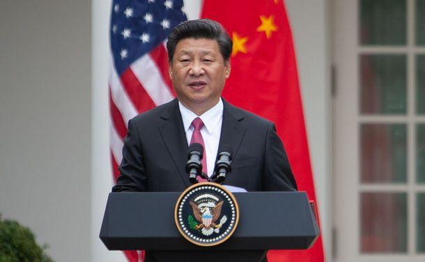 写真・図版 : ホワイトハウスで行われた共同会見で演説する中国の習近平国家主席=ワシントン、ランハム裕子撮影、2015年9月25日