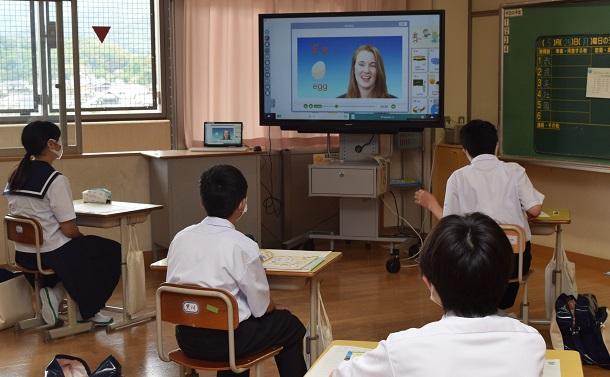オンライン授業拡大の中で浮き彫りになる「変われない公立学校教育」