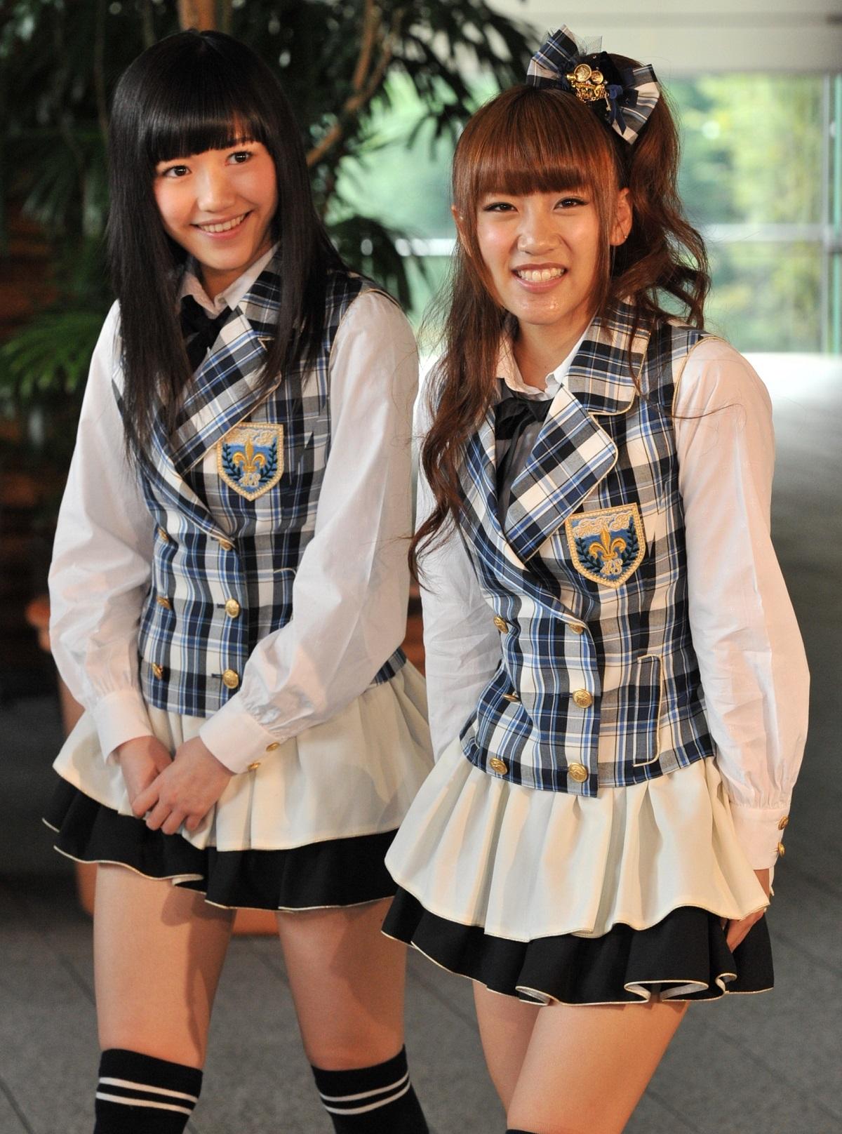 渡辺麻友さん(左)と高橋みなみさん