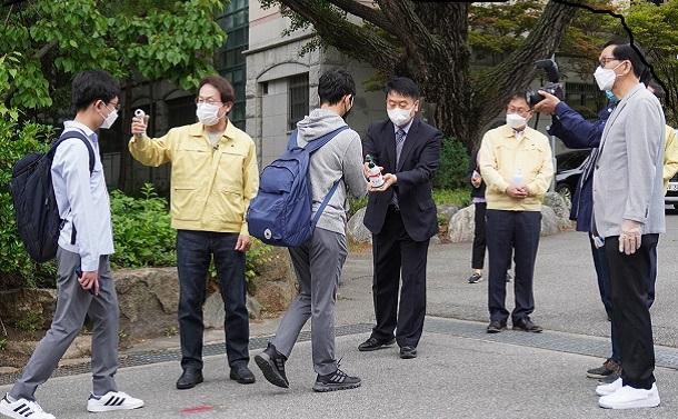 新型コロナ対策で攻めの韓国――K防疫は経済を止めない