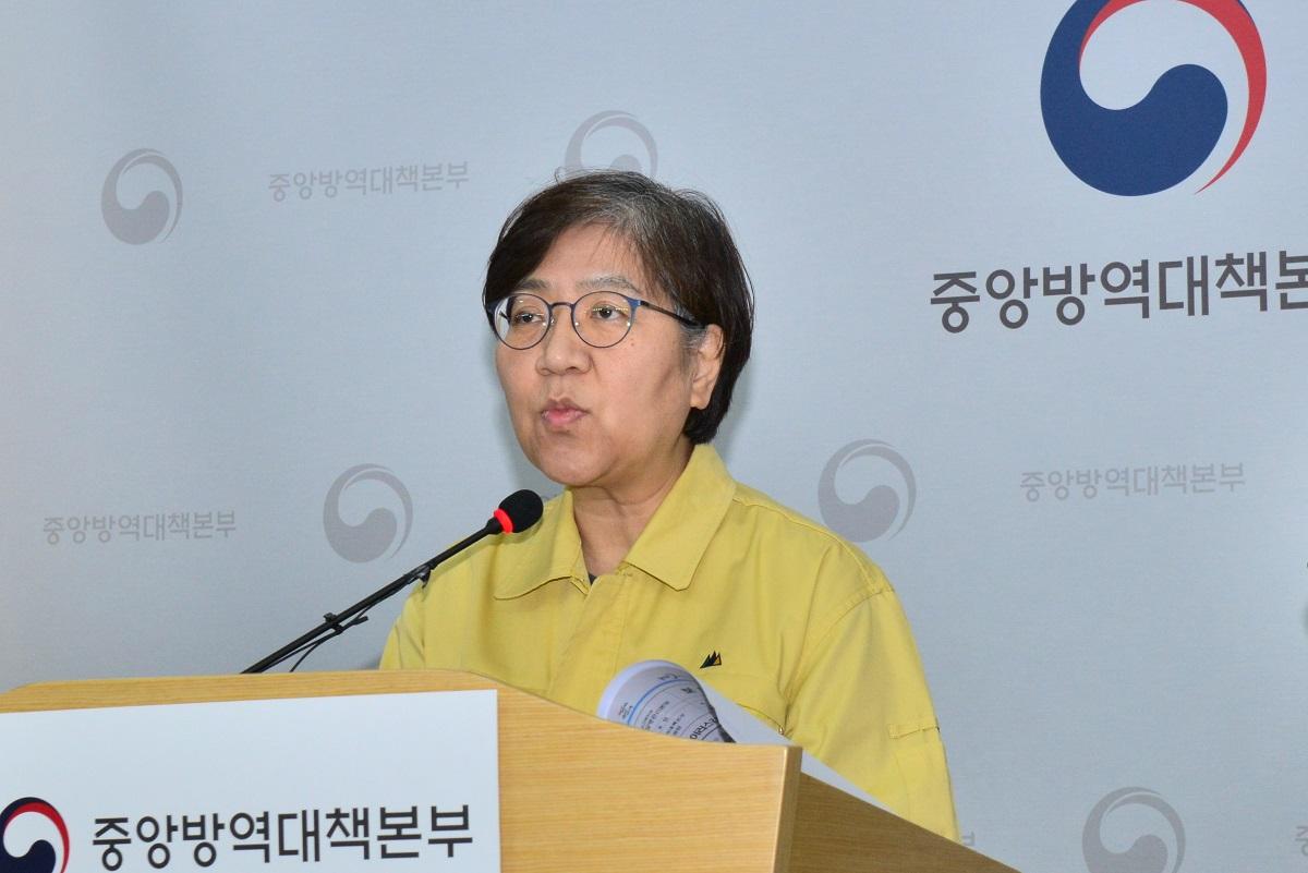 写真・図版 : 新型コロナウイルス感染対策で人気を集めた韓国・中央防疫対策本部のチョン・ウンギョン本部長=同本部提供