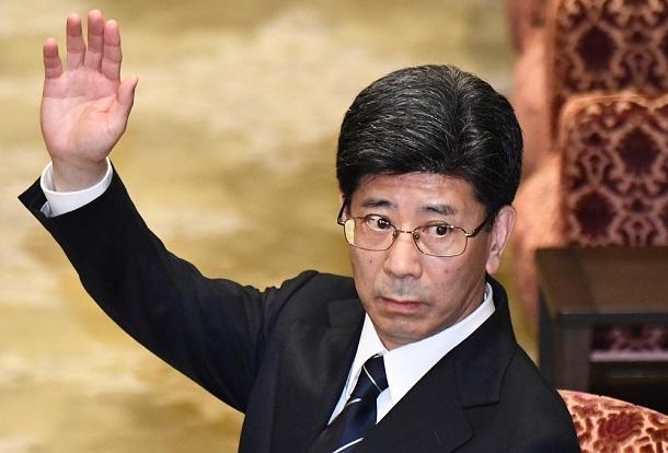 写真・図版 : 佐川宣寿・元国税庁長官