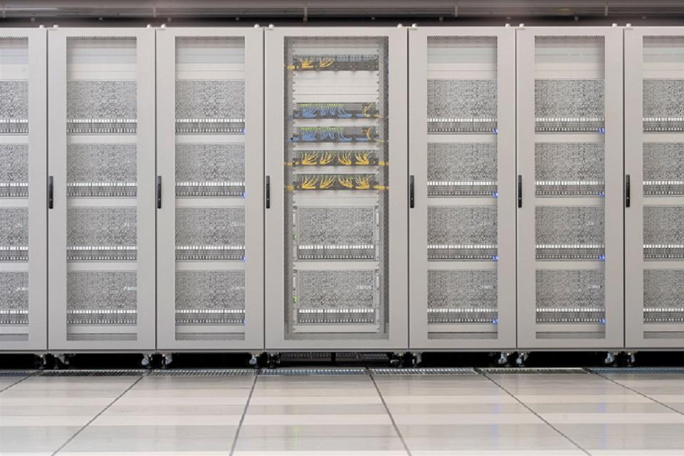 写真・図版 : 深層学習用スーパーコンピュータMN-3=Preferred Networksのホームページから