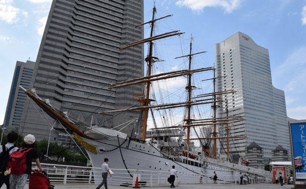 朝鮮戦争で軍事輸送船になった「太平洋の白鳥」日本丸