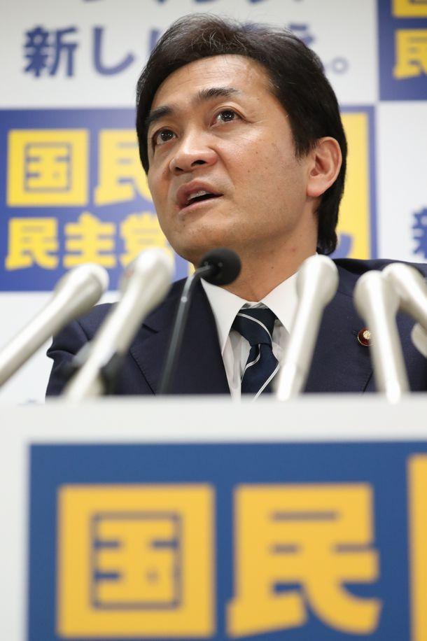 写真・図版 : 国民民主党の玉木雄一郎代表=2020年1月8日、東京・永田町