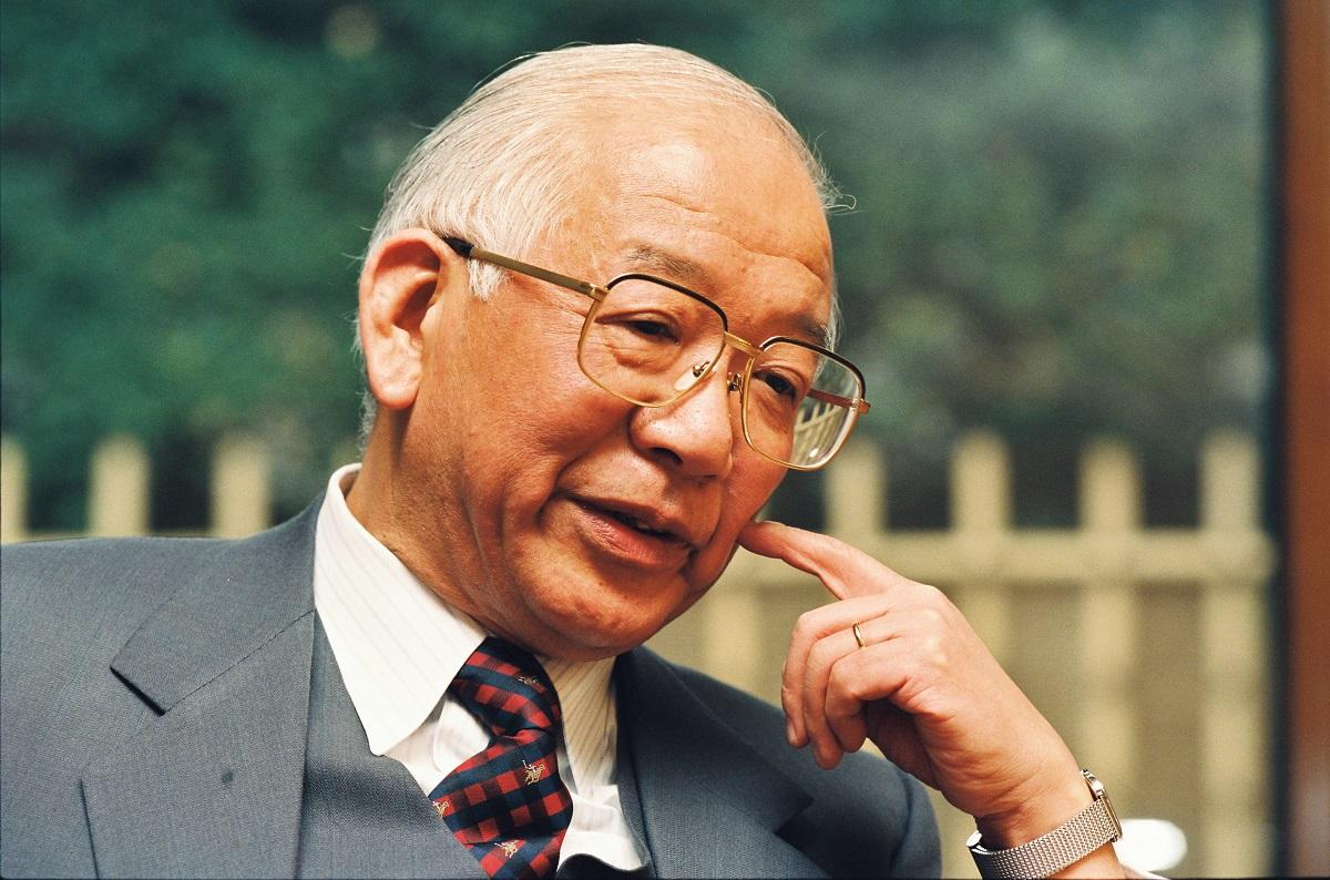 写真・図版 : 江藤淳=1993年