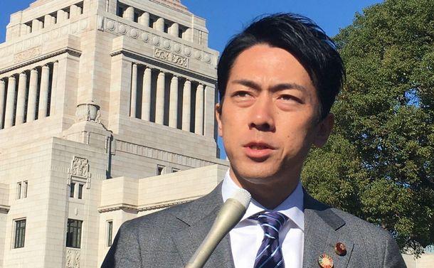 日本の愛護動物たちの運命は、環境大臣・小泉進次郎にかかっている