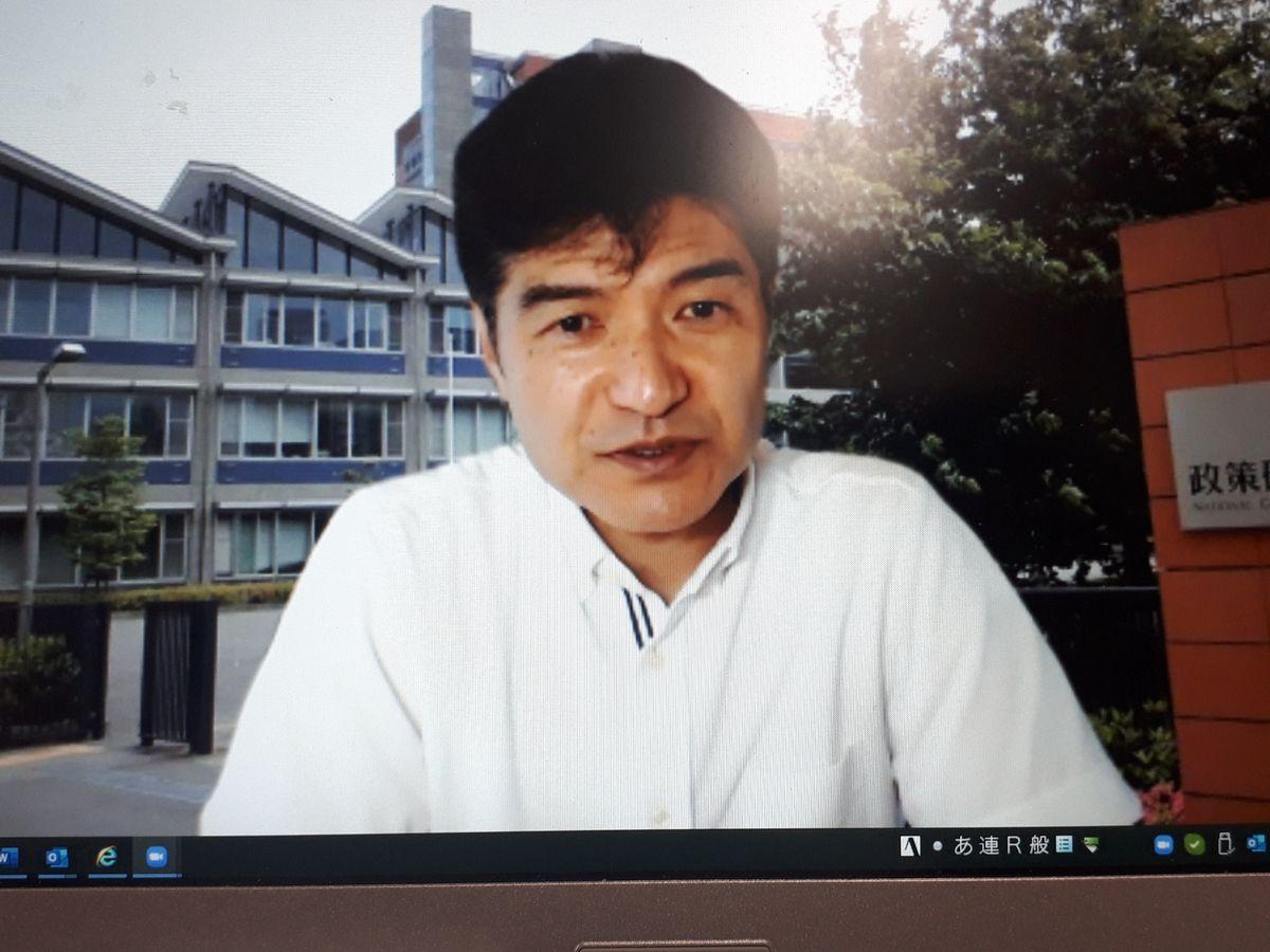 写真・図版 : 政策研究大学院大学の道下教授=7月、Zoomより。藤田撮影