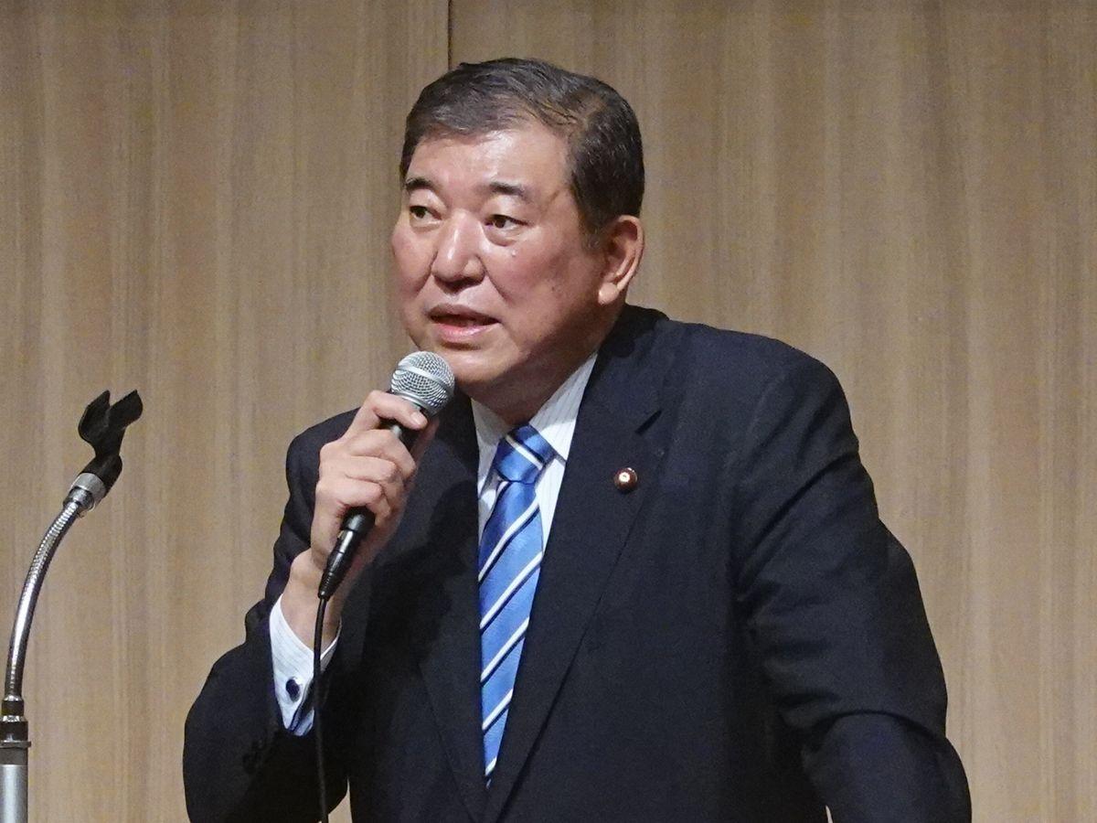 写真・図版 : 石破茂・元防衛相=7月、札幌市。朝日新聞社
