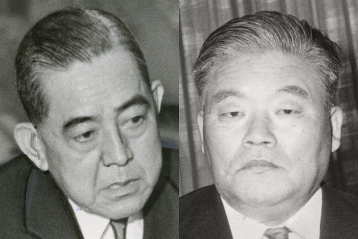 写真・図版 : 1960年代に首相を務めた佐藤栄作(左)と外相を務めた大平正芳
