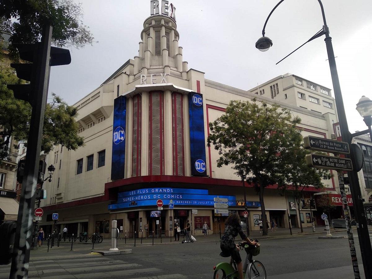 写真・図版 : パリ2区の映画館グラン・レックス=撮影・筆者
