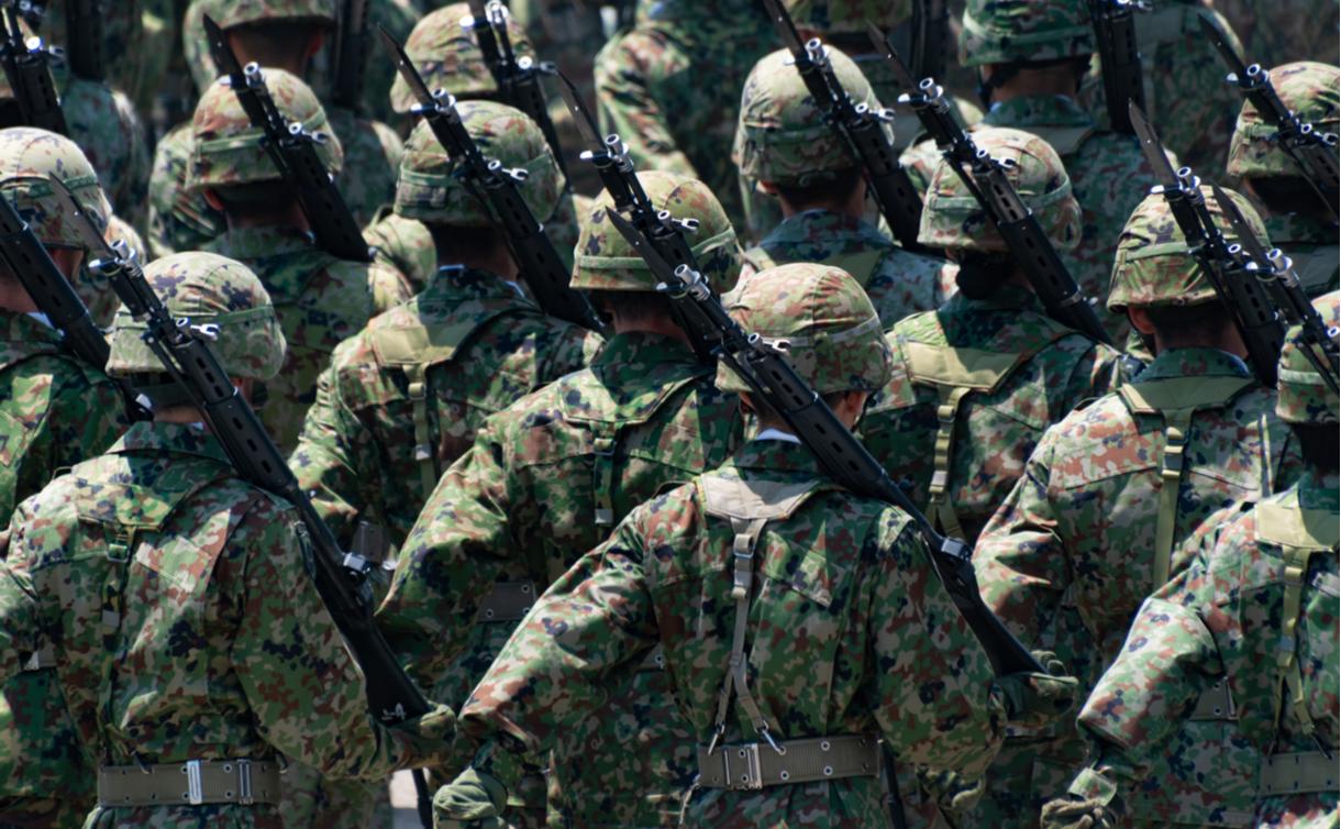 写真・図版 : 自衛隊 Josiah_S/shutterstock.com