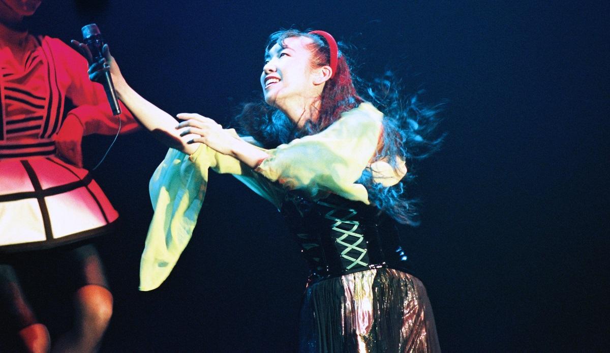 松任谷由実の日本武道館でのコンサート=1990年6月19日