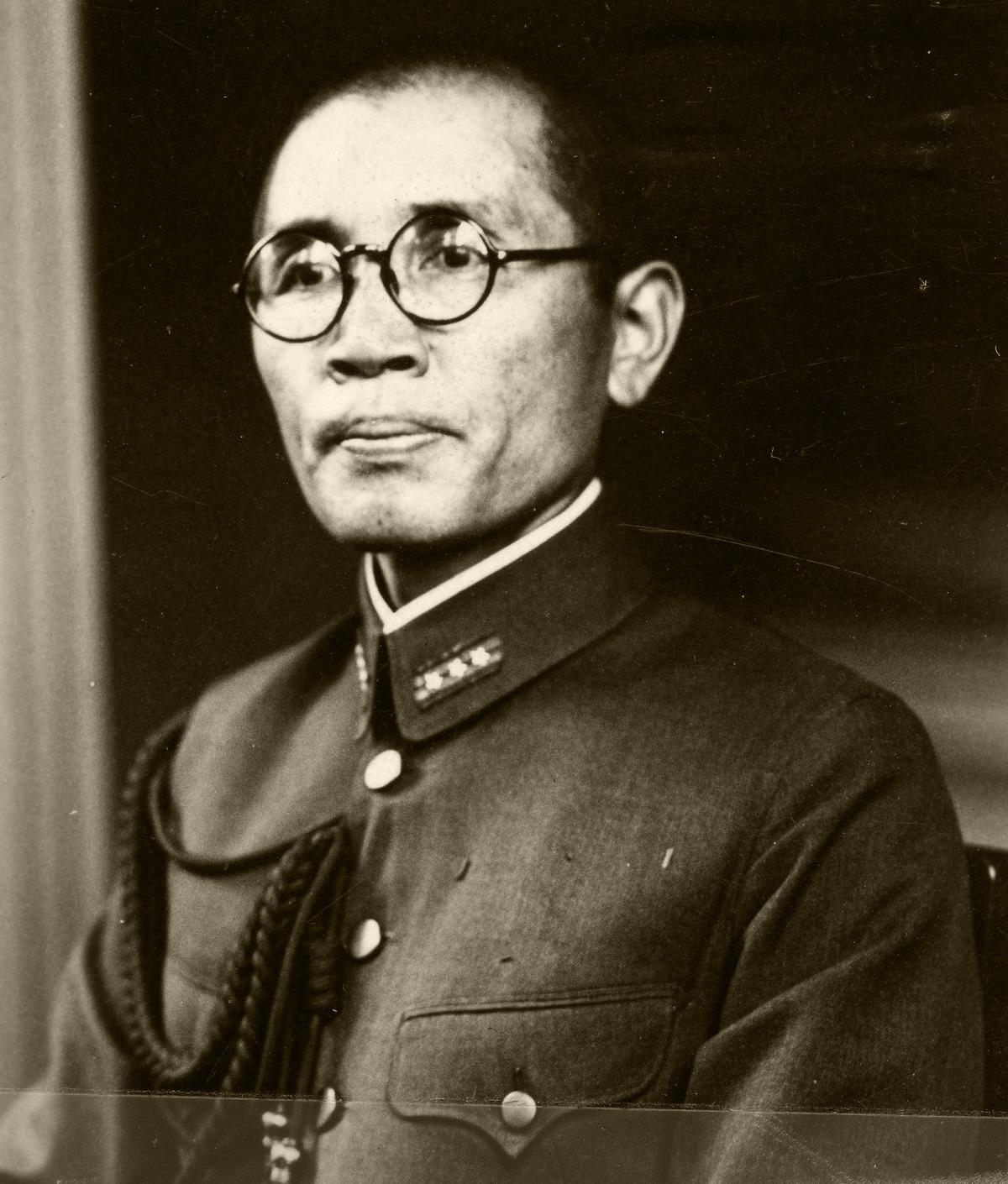写真・図版 : 第32軍の参謀・八原博通