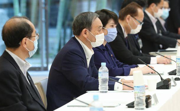 菅政権はマイナンバー普及で所得再分配を