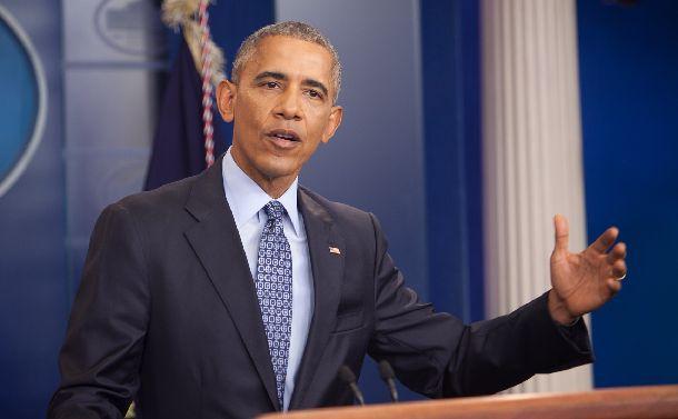 写真・図版 : ホワイトハウスで最後の会見をするオバマ大統領=2017年1月18日、ワシントン、ランハム裕子撮影