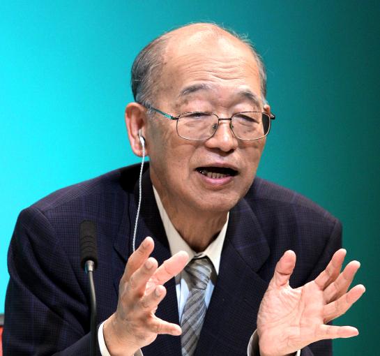 写真・図版 : 朝日新聞退社後も科学ジャーナリストとして活躍した柴田鉄治