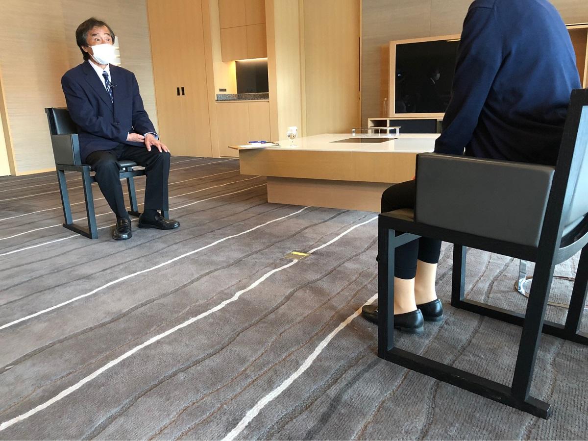 写真・図版 : 赤木さんは、小川さんのインタビューに続いて「報道特集」キャスター・金平茂紀さんからもインタビューを受けた