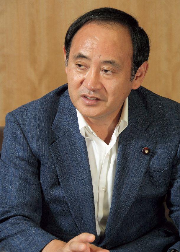 写真・図版 : 総務副大臣の頃の菅義偉氏=2006年9月4日、東京都千代田区の総務省