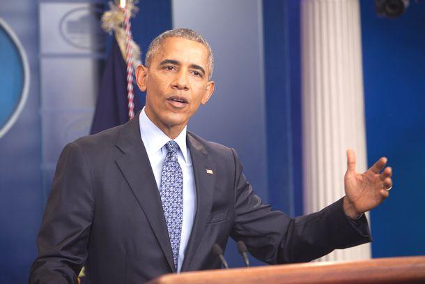 写真・図版 : ホワイトハウスで最後の会見をするオバマ大統領=2017年1月18日、ワシントン