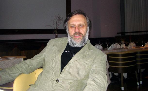 写真・図版 : スラヴォイ・ジジェク氏=2008年12月15日、スロベニアの首都リュブリアナ