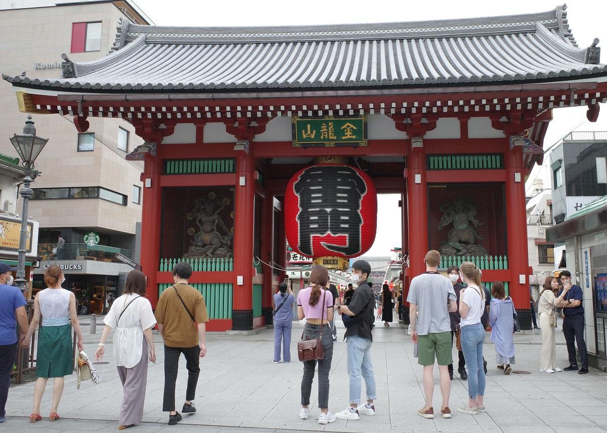 観光名所の浅草寺の雷門