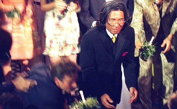 〈哀悼〉パリで大成功した高田賢三に日本政府は冷たかった
