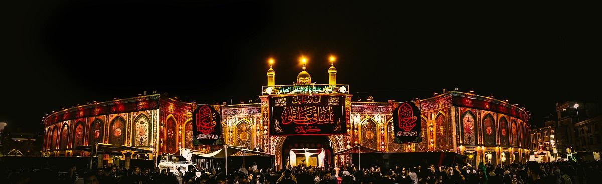 写真・図版 : カルバラにあるシーア派の指導者フサインの墓廟 Sajjad Haidar Malik/Shutterstock.com